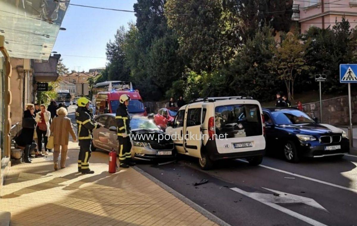 [FOTO] Prometna nesreća u centru Opatije, policija preusmjerava promet